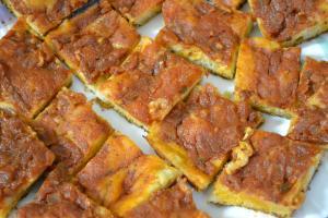 Pizza con tomates y mejillones