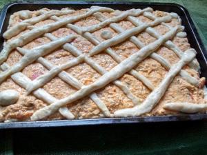Tarta cremosa de cebolla con lomito ahumado
