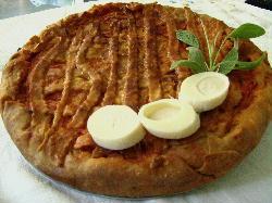 Tarta italiana de ricotta, longaniza y parmesano