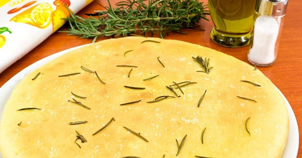 Focaccia con masa de cebolla