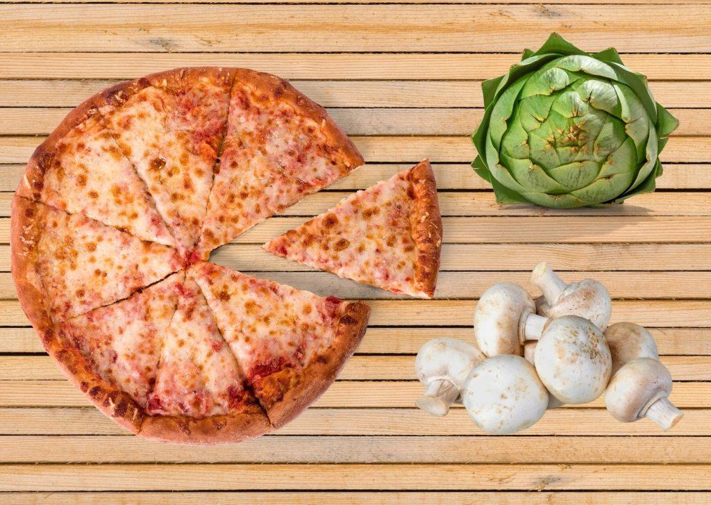 Pizza con alcauciles, alcachofas y champiñones
