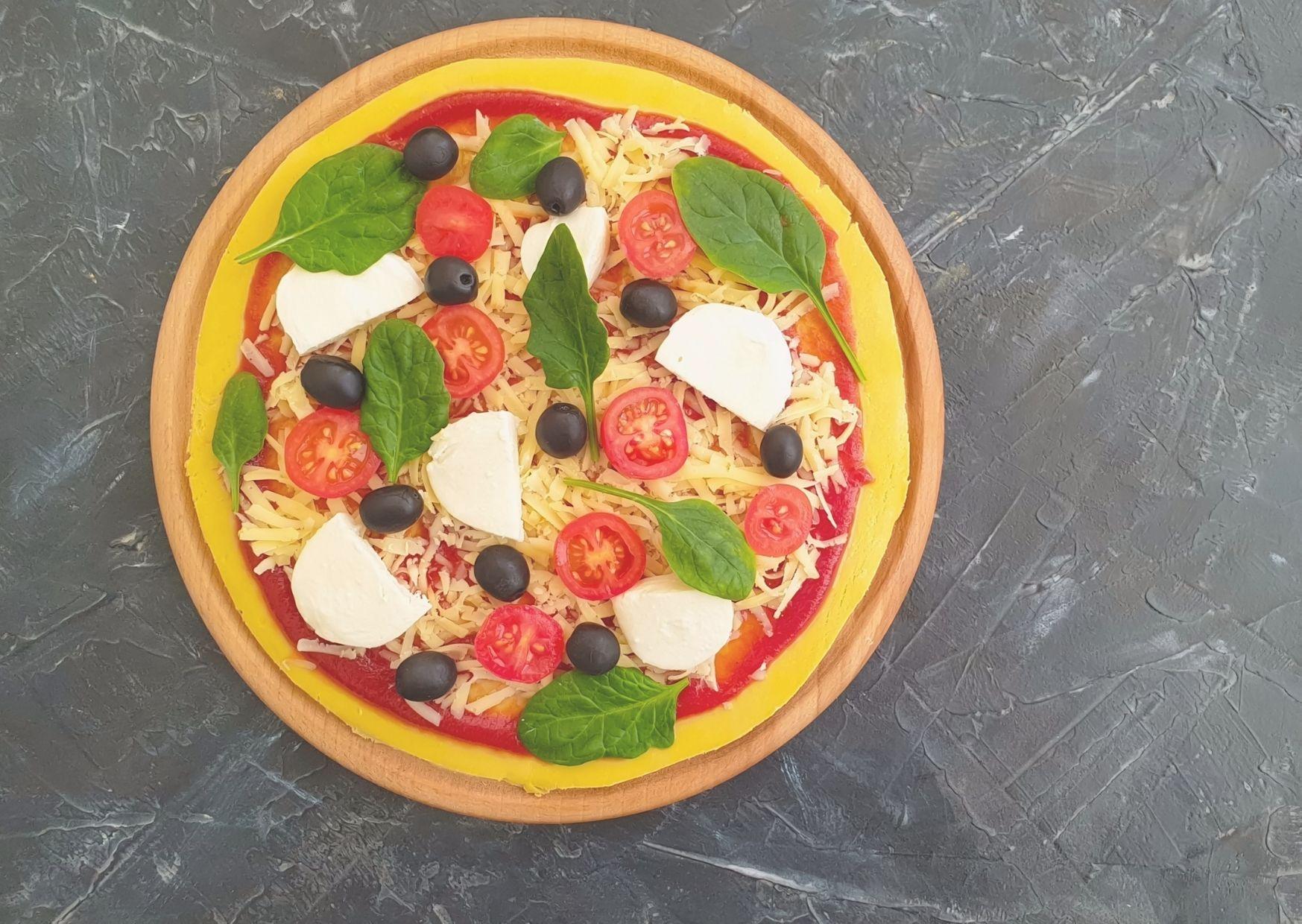Pizza picantona con cubierta en crudo